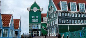 gratis stadswandelingen, audiotours en fietsroutes: www.microtoerisme.nl